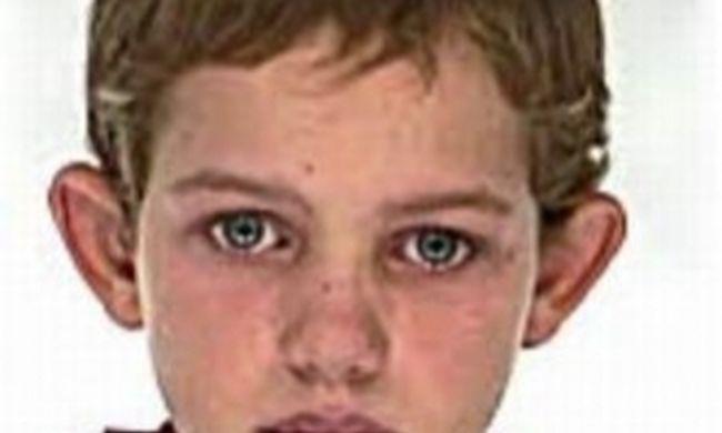 Keresik Jánoskát, mintha föld nyelte volna el a kék szemű kisfiút