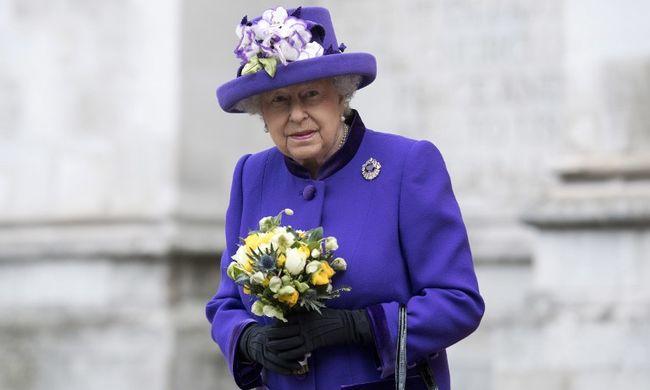 Sosem látott fotó került nyilvánosságra, ez sokat elárul a királynőről