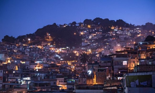 Rendőrnek hitték, agyonlőtték a turistát a drogosok