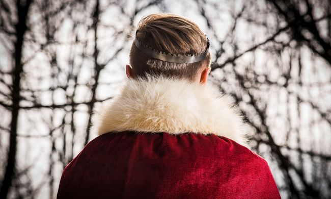 Karácsonykor mindenkinek jár egy kis luxus: betörtek a szőrmeboltba a sugárúton