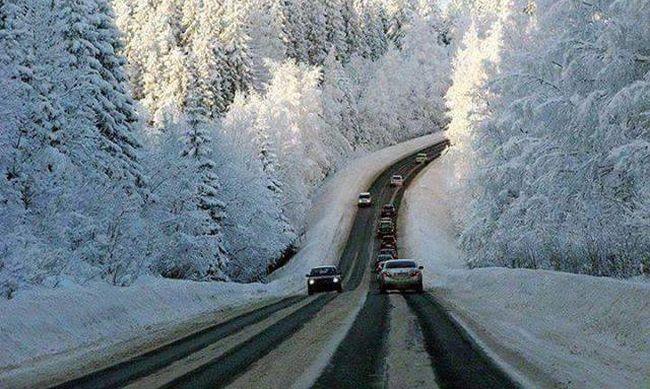 Akkora hó esett, hogy már közlekedni se lehet