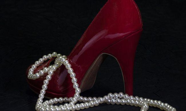 Botrány a szépségversenyen: magassarkúval ütötte riválisát a versenyző
