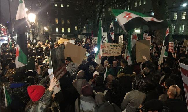 Ezer muszlim tüntetett Londonban egy hatalmas iszlám kalifátusért
