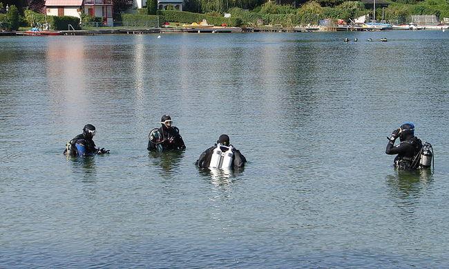 Tóba esett a kisfiú, 41 percet töltött víz alatt