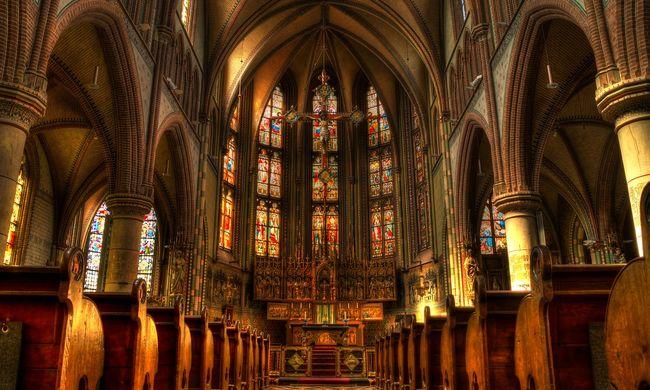 Lesz mit meggyónnia a tolvajnak: ellopta a templomi perselypénzt