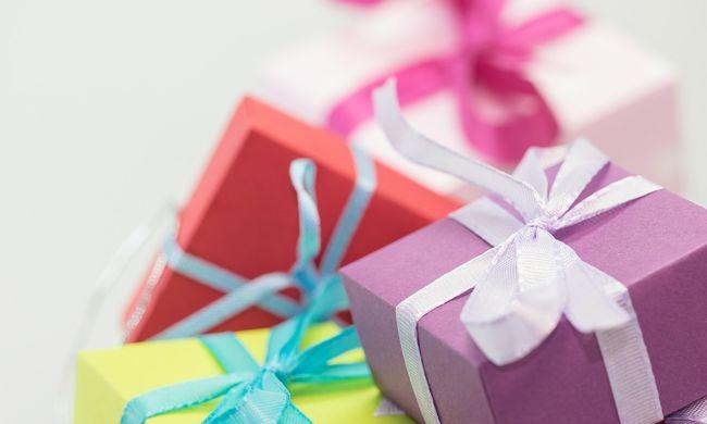 Élnek még nagylelkű emberek: kifizette egy ismeretlen karácsonyi ajándékait