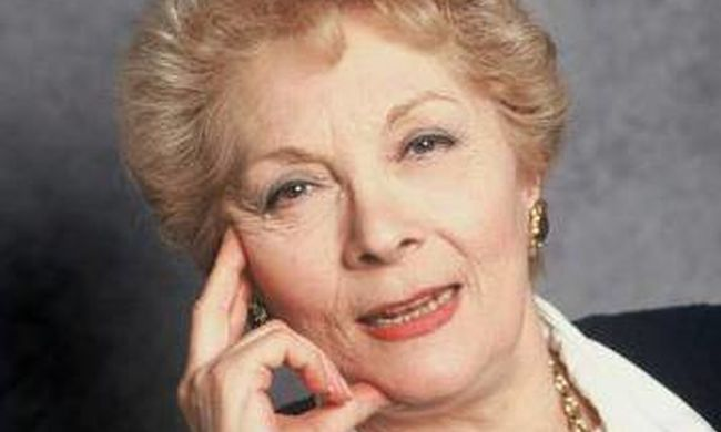 Meghalt a világhírű színésznő, akit több mint 100 filmben láthatott