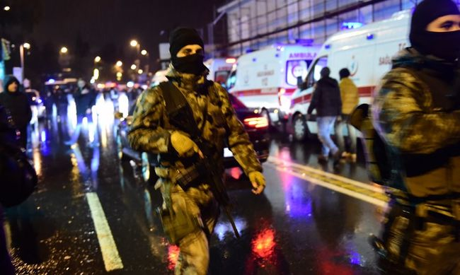 Szilveszteri terrortámadás: 39 embert ölt meg a télapó