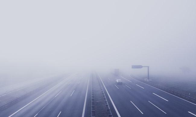 Rejtélyes haláleset: a szülők halottak voltak, a gyerekek sértetlenül ültek a kocsiban