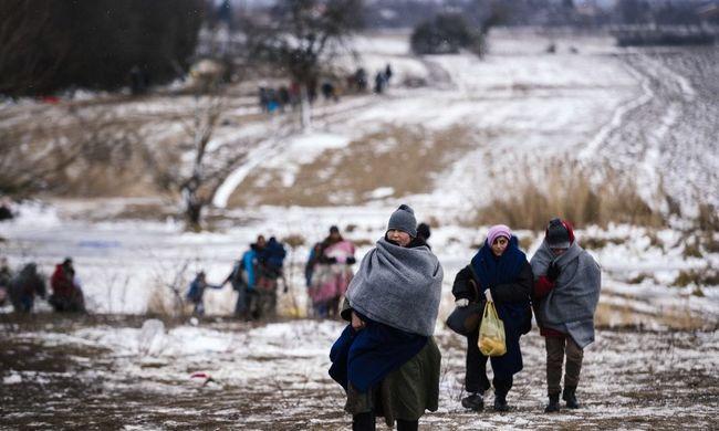 A polgármester megtiltotta, hogy segítsenek a migránsoknak