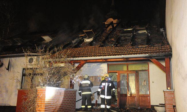 Hatalmas lángok csaptak fel a Pest megyei óvodában