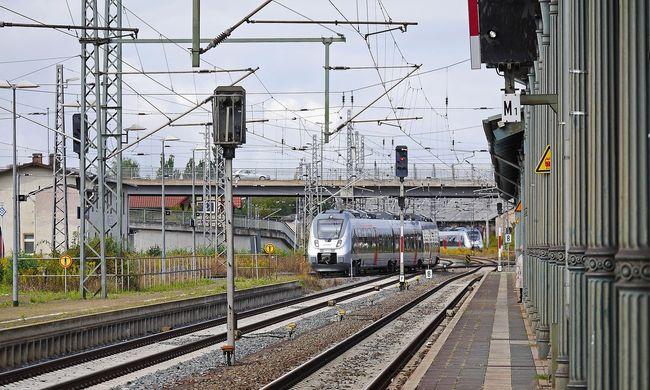 Egy utas szörnyethalt, nem járnak a vonatok