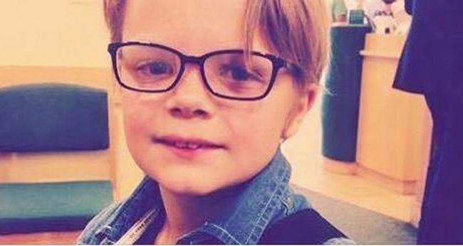 Tragikus: felakasztotta magát egy kisfiú a tükör előtt, nem tudták megmenteni