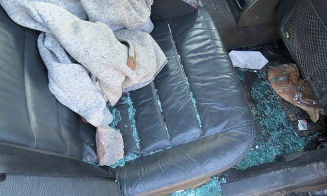 Két család szólalkozott össze: késsel, sokkolóval és kővel is támadtak
