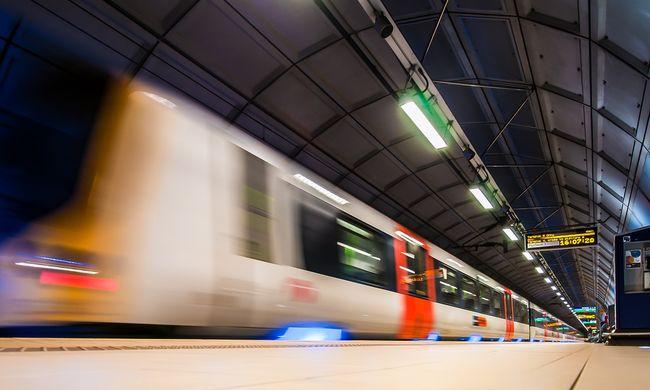 Lefejezte a metró az öngyilkos 20 évest, az utasok rosszul lettek