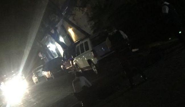 Gyorshír: gyilkos ámokfutó támadt a koncerten, mindent vér borít