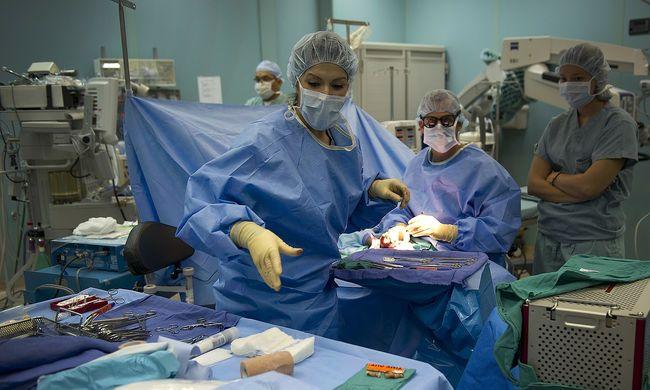 Elmulasztott időben orvoshoz menni, hatalmasra duzzadtak a heréi