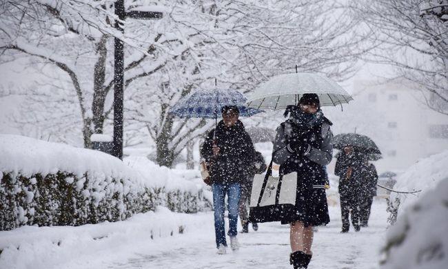Budapesten sem rózsás a helyzet, itt viszont milliókba kerül pár centi hó