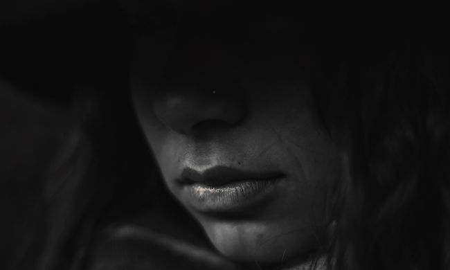 Végzett magával a fiatal édesanya, mert Facebookon gyermeke megölésével vádolták
