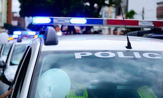 Rendőrök lőtték agyon a menekülő autó utasát