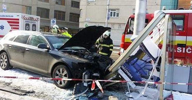 Súlyos balesetet szenvedett a terhes anya, a járdán ütközött - fotó