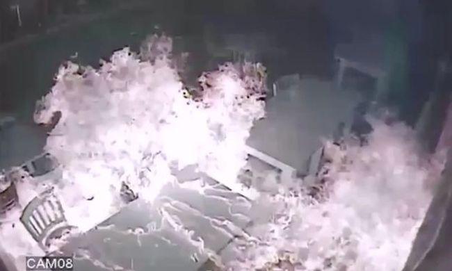 Alvó családra gyújtotta rá a házat - videó