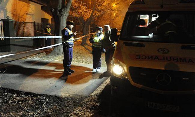 Rejtélyes holttestet találtak egy budapesti udvaron - fotó