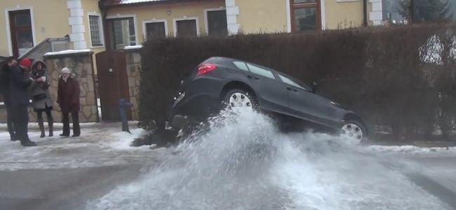 Ilyen látványos, ha megtréfál minket a jeges út Pest megyében - videó