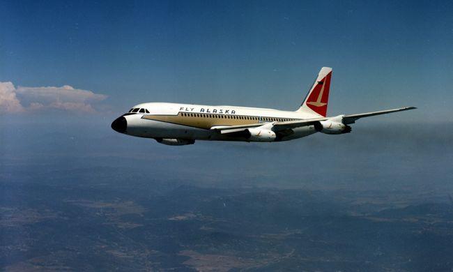 Horror a repülőn: kisgyereket rabolt a kegyetlen férfi