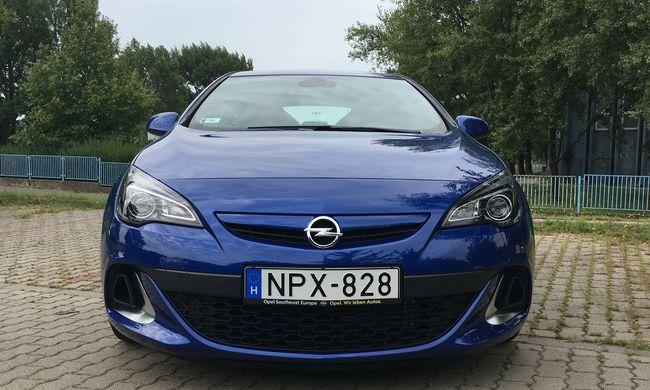 Opel Astra OPC teszt: rekviem egy legendáért