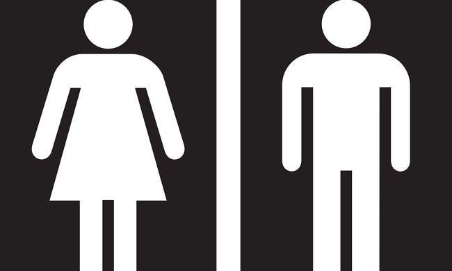Botrány Nyergesújfalun: letolt nadrággal mutogatta magát egy férfi a bezárt vécében