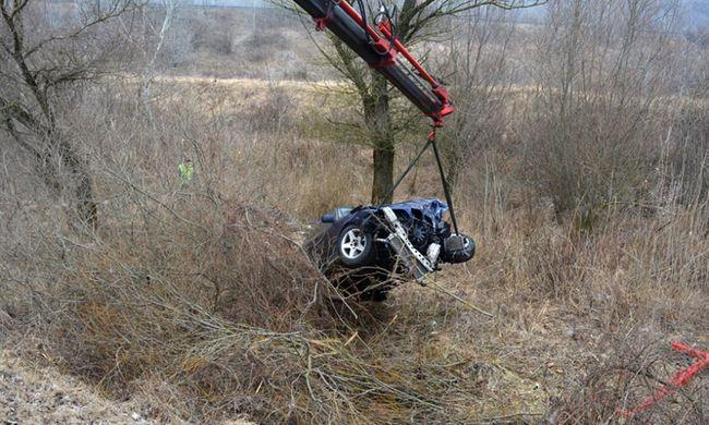 Hosszan küzdöttek a sofőr életéért, de a mentők már nem tudtak segíteni - fotó