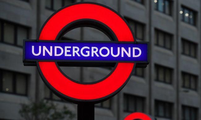 Ömlött a vér a metrón: részeg férfi támadt