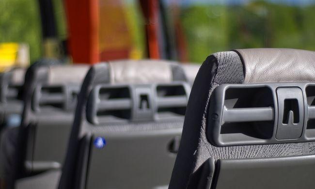 Brutális buszbaleset: 28-an szörnyethaltak, mindenhol mentőautók