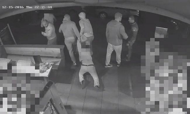Zsúfolt bárból rángatták ki a fiatalt az emberrablók - videó