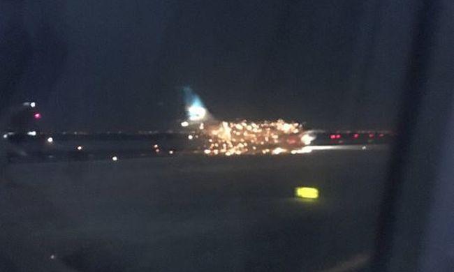 Pánik a repülőtéren: kigyulladt egy repülő