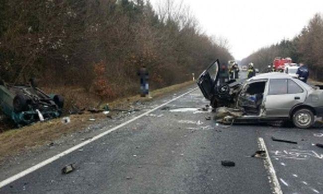 Tragikus baleset: életét vesztette egy ember a főúton - fotó