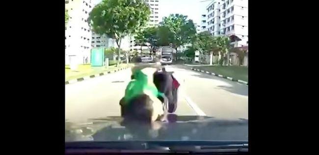 Elgázoltak egy kisfiút a belvárosban, métereket repült