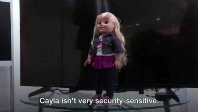 El kell pusztítani a játékbabát, idegenek üzenhetnek rajta keresztül a gyereknek