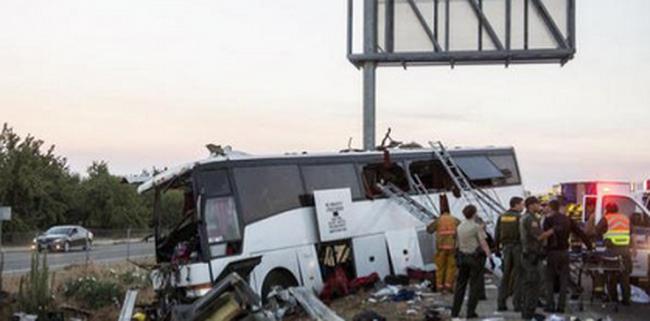 Súlyos baleset szenvedett egy utasokkal teli busz: 18 ember meghalt