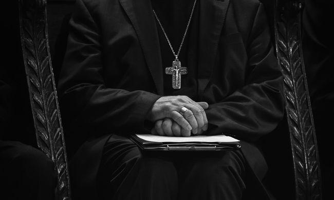 Részeg papot fogtak a rendőrök