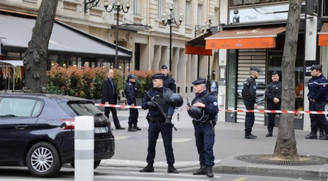 Ellepték a rendőrök a környéket: robbanásveszély miatt ürítették ki a házakat