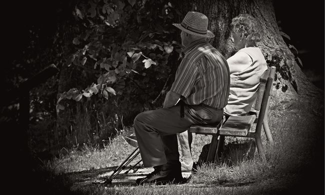 63 év házasság után el akarták szakítani egymástól a házaspárt, öngyilkosságot kíséreltek meg