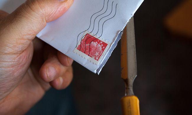 Hihetetlen, mit tett a postás a levelekkel, évekig ezt művelte