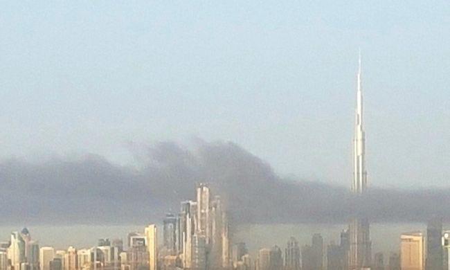 Füst borította el a várost, kigyulladt egy épülő toronyház