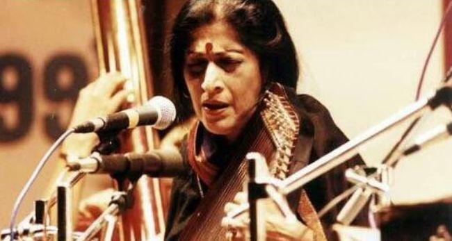 Elhunyt a híres énekesnő, érzelmes dalait milliók ismerték