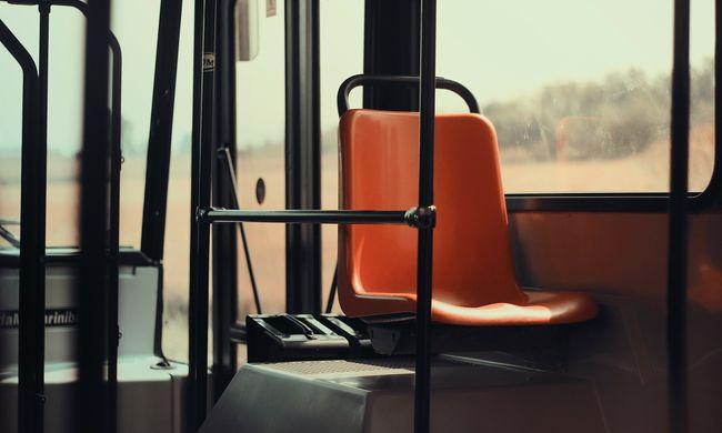 Súlyos baleset történt Celldömölkön, a buszsofőr elhajtott