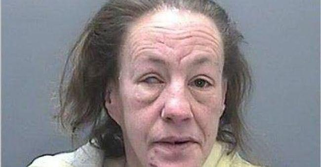 Zaklatta és megfélemlítette az öregeket a félszemű koldus nő