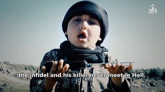 Újabb gyerekterrorista vett részt az Iszlám Állam kivégzésén