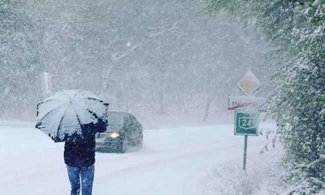 """""""Olyan mint a Ragyogás"""" - több százan ragadtak Galyatetőn a hó miatt"""
